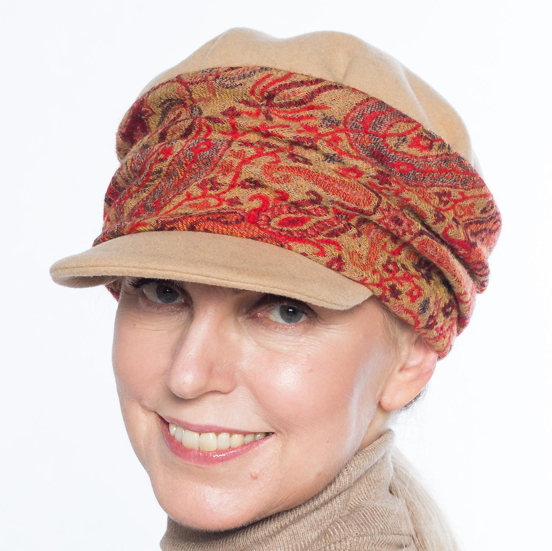 Hüte von Hand Carola camel-rot