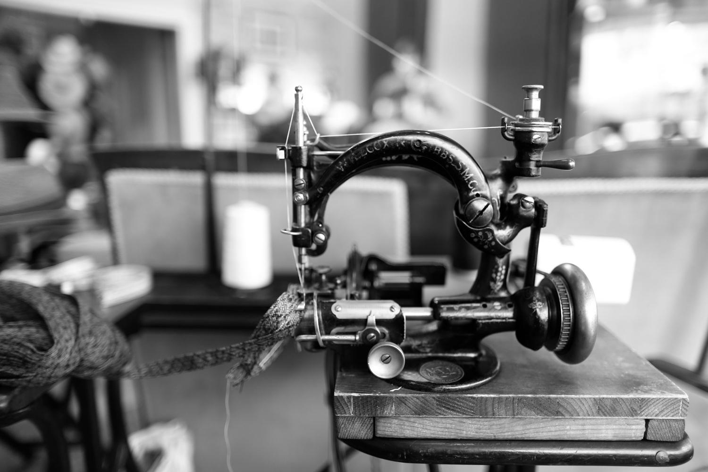 Eine alte Stroh-Nähmaschine immer noch in Betrieb