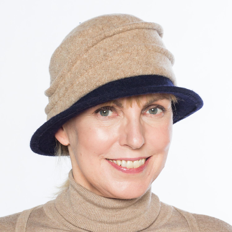 Hüte von Hand Calotta bicolor camel-marine